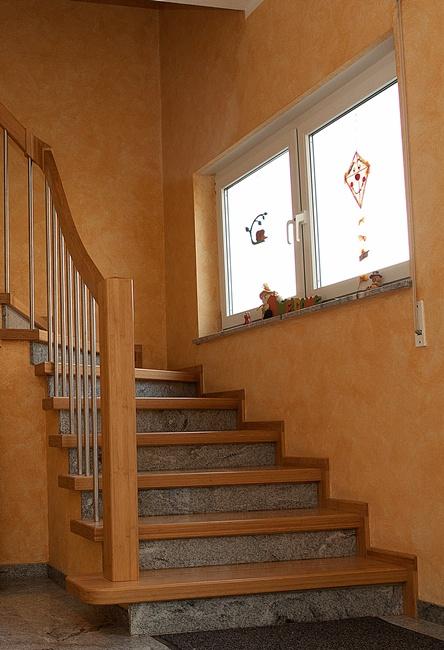 http://www.schreinerei-gailbach.de/media/Treppen/Treppen_997.jpg